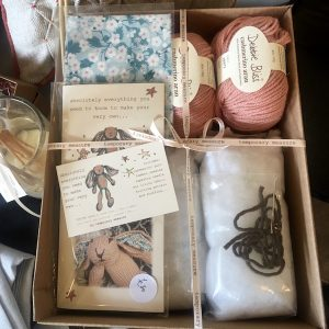 rabbit knit kit pink